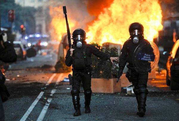 Barcelona Spain riot police